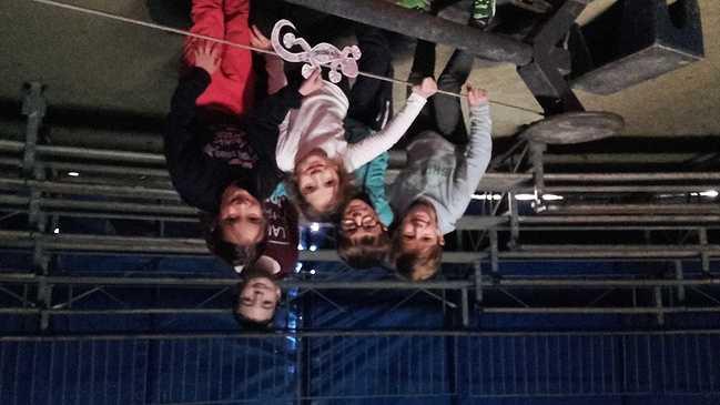 Les ce2 racontent leur expérience d''artistes de cirque ! 20171113134758