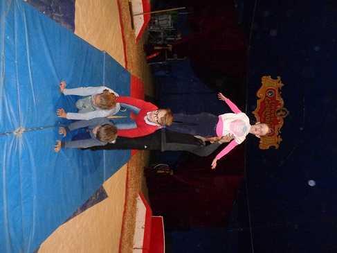 Les ce2 racontent leur expérience d''artistes de cirque ! dsc06382