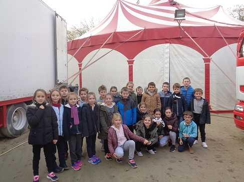 Les ce2 racontent leur expérience d''artistes de cirque ! 0