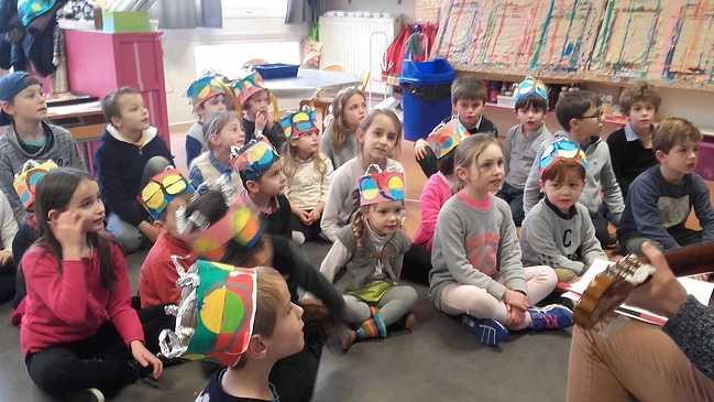 Les élèves de ce2 et de moyenne section fêtent les Rois 20180126154936