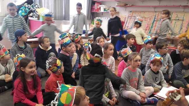 Les élèves de ce2 et de moyenne section fêtent les Rois 20180126154949