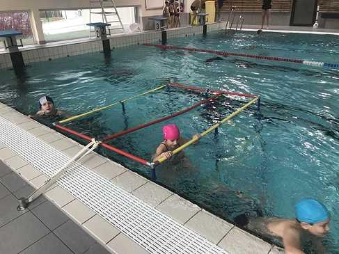 Les classes de primaire à la piscine img3419