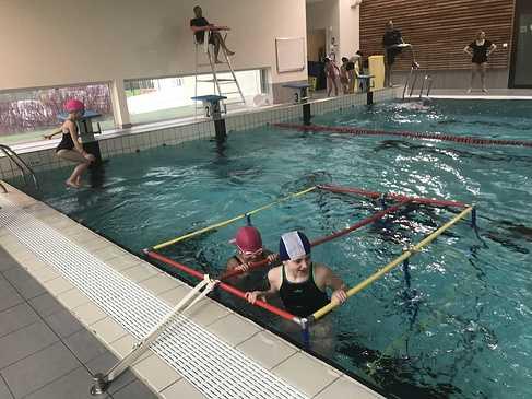 Les classes de primaire à la piscine img3420