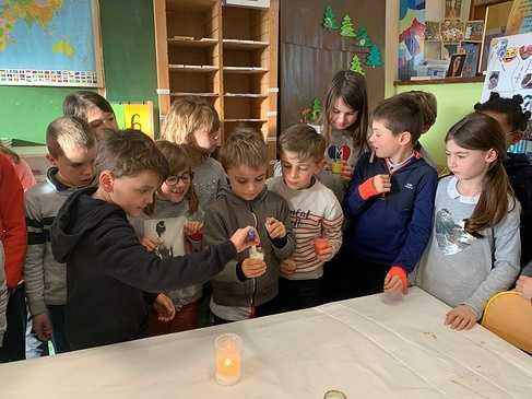 La lumière de Béthléem arrive à l''école img6864