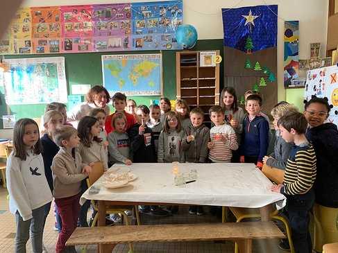 La lumière de Béthléem arrive à l''école img6867