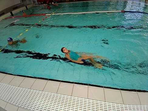 Les ce2 à la piscine 1599641143533
