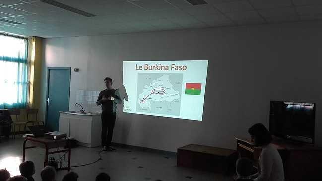 Les élèves du primaire découvrent l'Afrique. 3