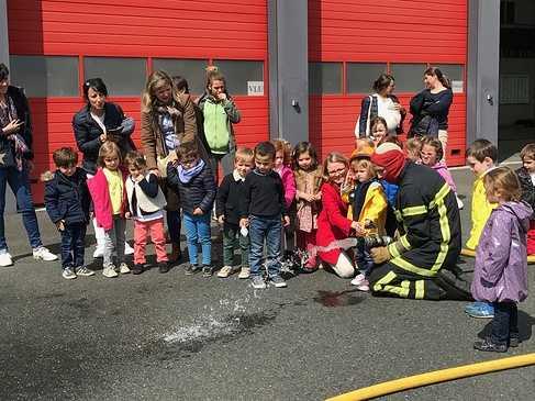 Les petites sections chez les pompiers. 0